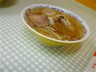 昼食は・・・。_b0106766_15141365.jpg