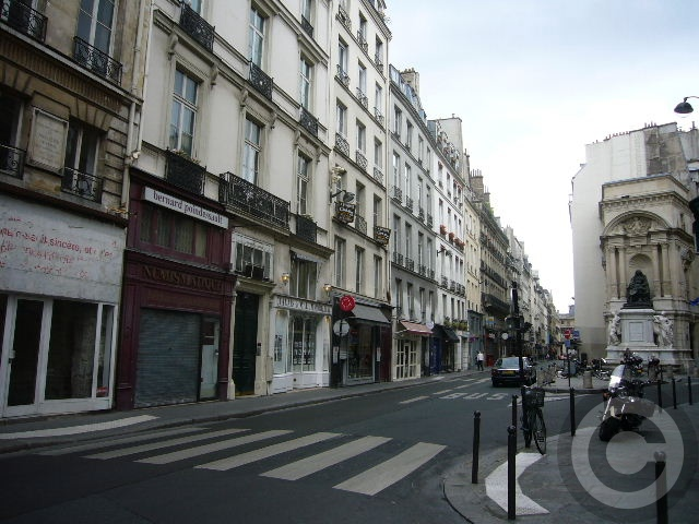 ■モリエール(パリ)_a0008105_51441.jpg