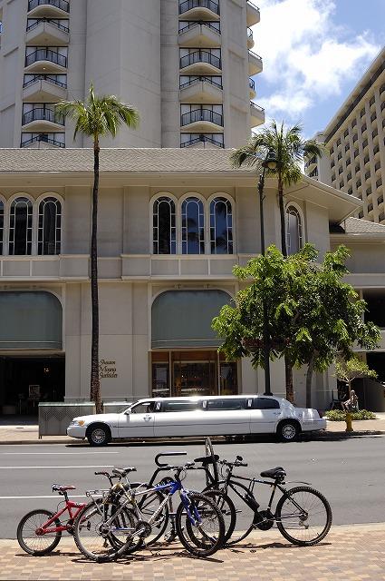 「ハワイ ワイキキで見かけた車達・・・」5月29日今日のショット_d0019260_5504839.jpg