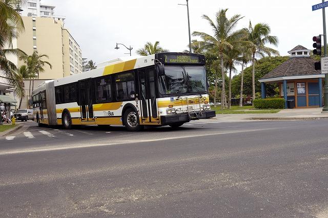 「ハワイ ワイキキで見かけた車達・・・」5月29日今日のショット_d0019260_66874.jpg