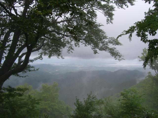 早朝登山(天狗山610m) 参加8名_d0007657_19161196.jpg