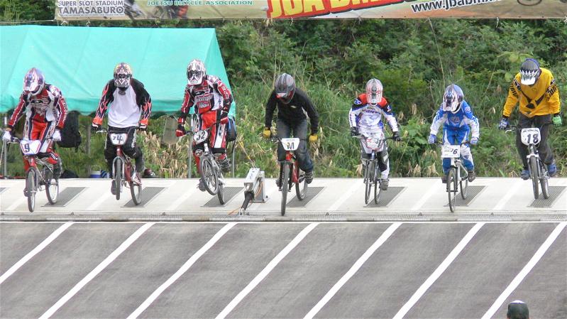 2007JBA定期戦R-2 ガゾタレ最終回 BMXオープンクラス準決勝〜決勝の画像垂れ流し_b0065730_21451364.jpg
