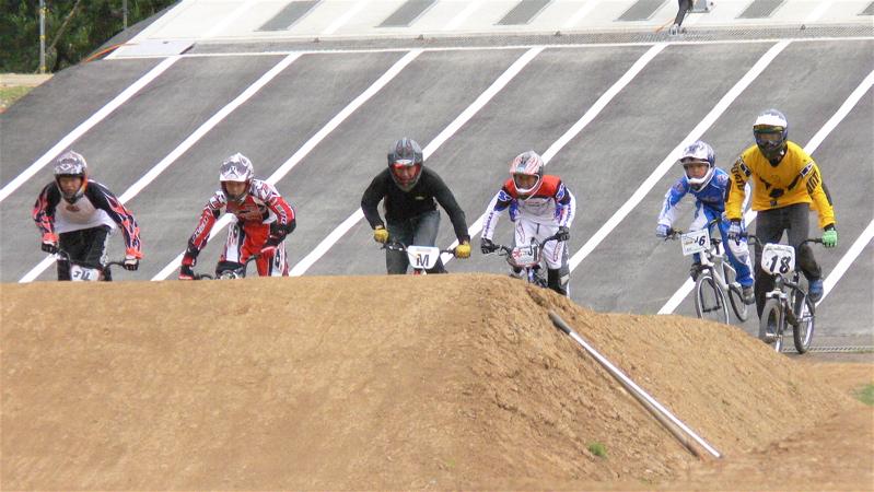 2007JBA定期戦R-2 ガゾタレ最終回 BMXオープンクラス準決勝〜決勝の画像垂れ流し_b0065730_21452758.jpg