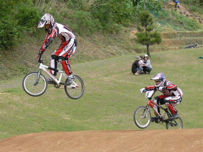 2007JBA定期戦R-2 ガゾタレ最終回 BMXオープンクラス準決勝〜決勝の画像垂れ流し_b0065730_2146032.jpg