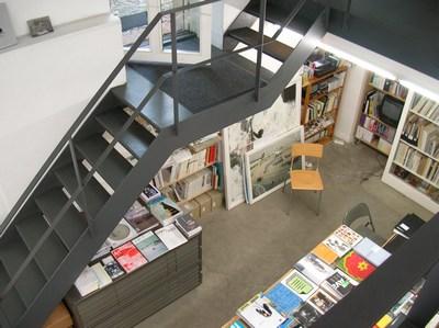 Berliner Kunst Strasse vol.5 -Berlin Book store 03-_c0096440_334923.jpg
