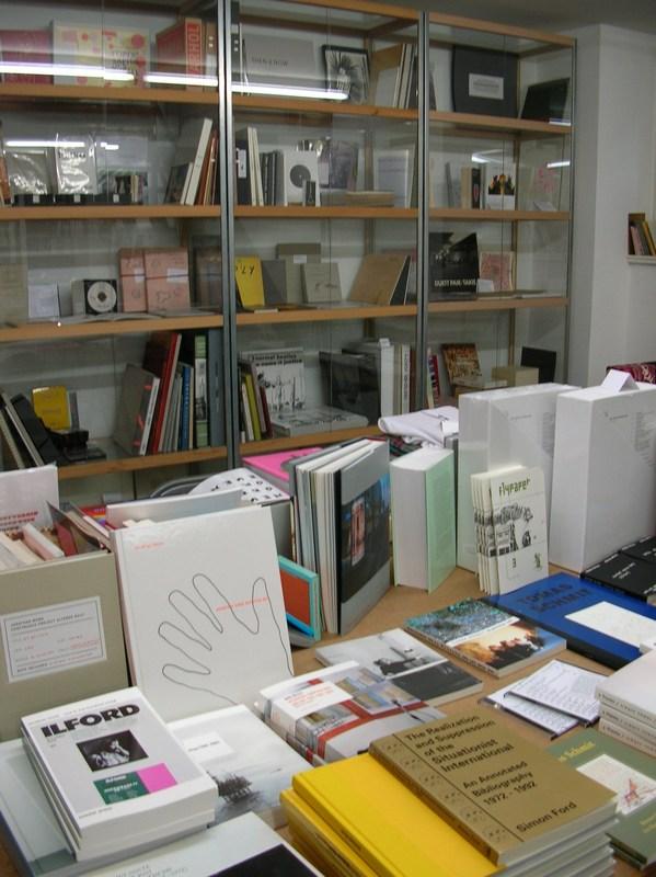 Berliner Kunst Strasse vol.5 -Berlin Book store 03-_c0096440_3402231.jpg
