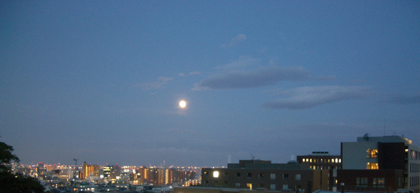 月夜の風景_a0004752_21404976.jpg