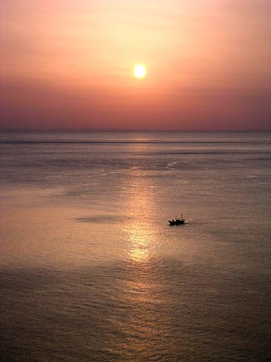 熱海湾の夜明、日本海の夕照_d0123528_11165383.jpg
