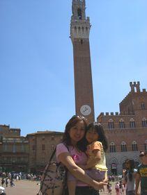 シエナ! ミッレミリアで旗をふる。_d0041729_22364990.jpg