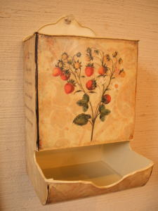shabby tin plate & wall box_c0118809_19332561.jpg