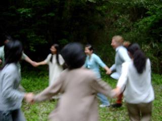 森の中のダンス_e0115301_19482533.jpg