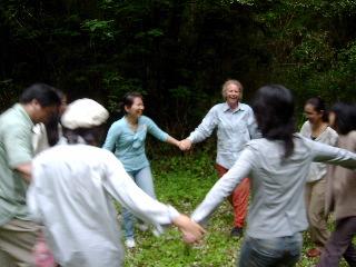 森の中のダンス_e0115301_20473638.jpg