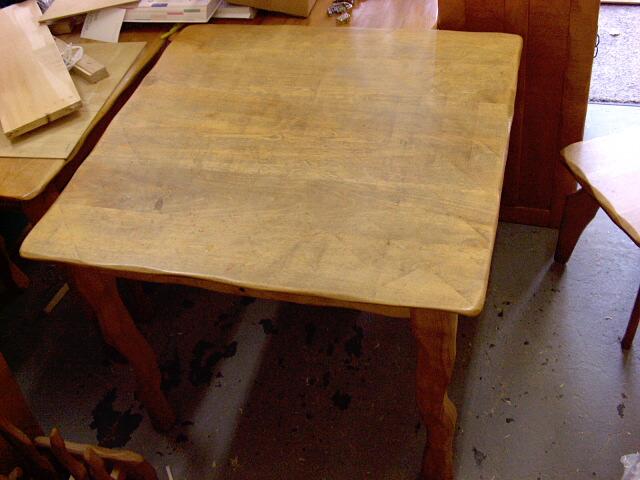 【セカンドハンド】テーブル_e0072513_7471791.jpg