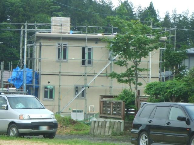 家を組み立てる。_e0012815_22233310.jpg