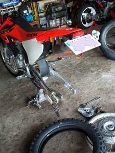 バイク屋さん???_f0096216_18381310.jpg