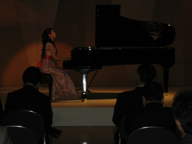 新しいピアノ_f0064017_18162241.jpg