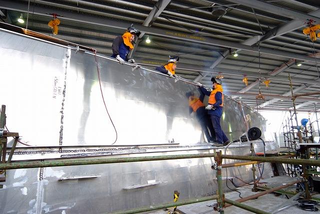 スクープ映像 世界最速フェリーボートタスマニアから日本参上 その1_f0050534_771137.jpg
