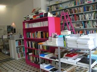 Berliner Kunst Strasse vol 6  -Berlin Book Store 04-_c0096440_922516.jpg