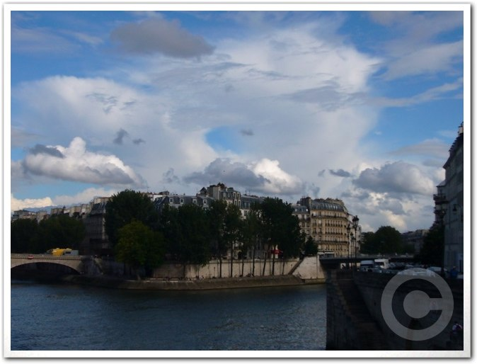 ■最近のパリから_a0008105_18375318.jpg
