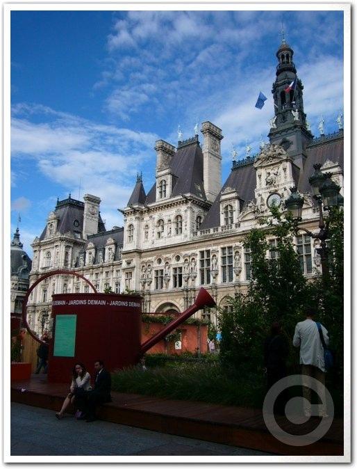 ■パリ市庁舎前のガーデン(JARDINS)_a0008105_1953236.jpg
