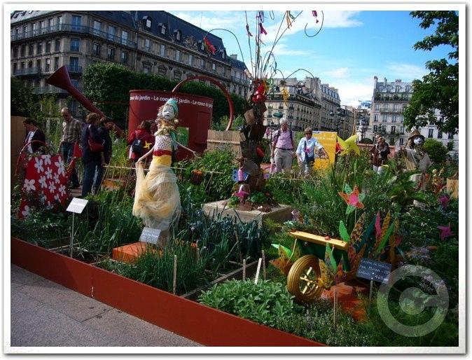 ■パリ市庁舎前のガーデン(JARDINS)_a0008105_19617100.jpg