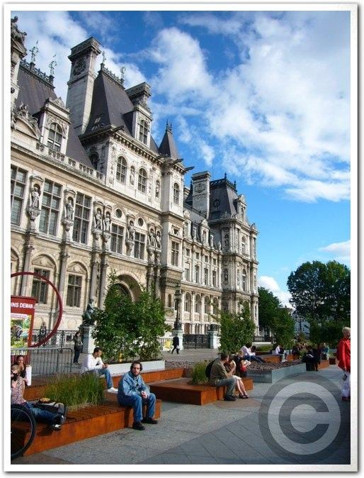 ■パリ市庁舎前のガーデン(JARDINS)_a0008105_1963098.jpg