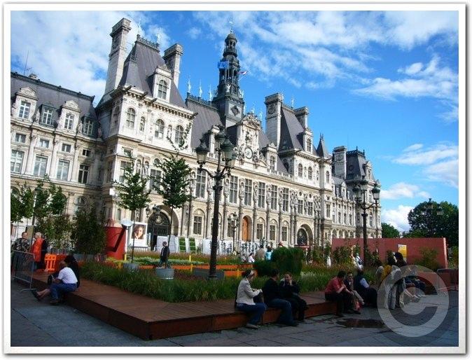 ■パリ市庁舎前のガーデン(JARDINS)_a0008105_1974061.jpg