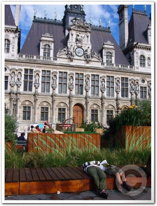 ■パリ市庁舎前のガーデン(JARDINS)_a0008105_1975456.jpg