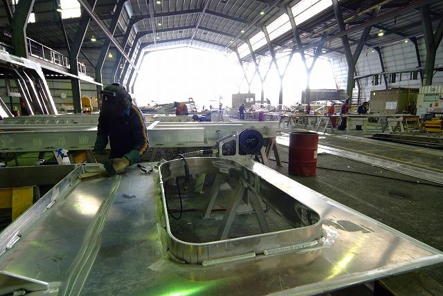 スクープ映像 世界最速フェリーボートタスマニアから日本参上2_f0050534_1925054.jpg