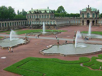 東ドイツ旅行[3]ツヴィンガー宮殿_e0022175_1015726.jpg