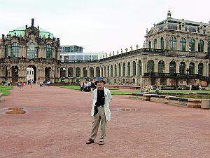 東ドイツ旅行[3]ツヴィンガー宮殿_e0022175_9381232.jpg