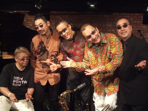 今や日本一のビジュアルバンド!_d0115919_394559.jpg