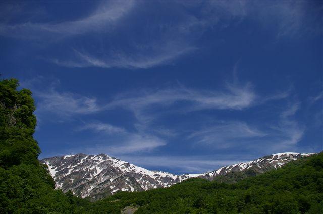 青い空と白馬岳_f0064359_14243198.jpg