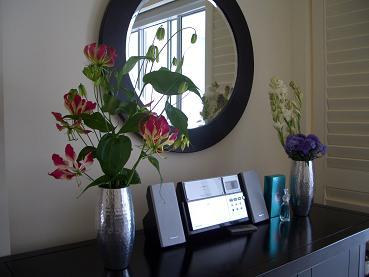 ホテルの部屋に花を飾る_a0098948_1344114.jpg