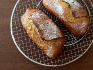 干しいちじくとオレンジピールのパン(ライ麦30%)_c0110869_1274614.jpg