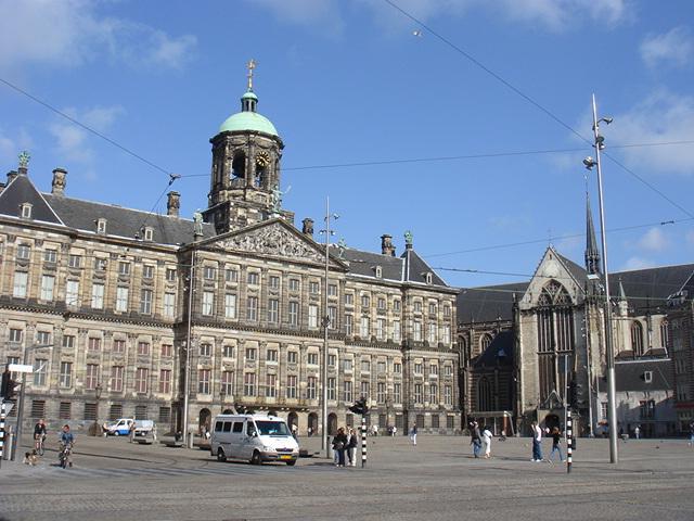 「ダム広場 オランダ」の画像検索結果