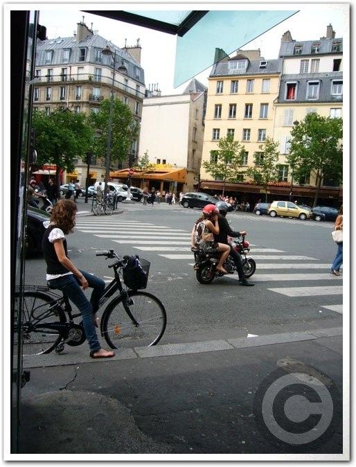 ■街角の自転車(パリ)_a0008105_8392731.jpg