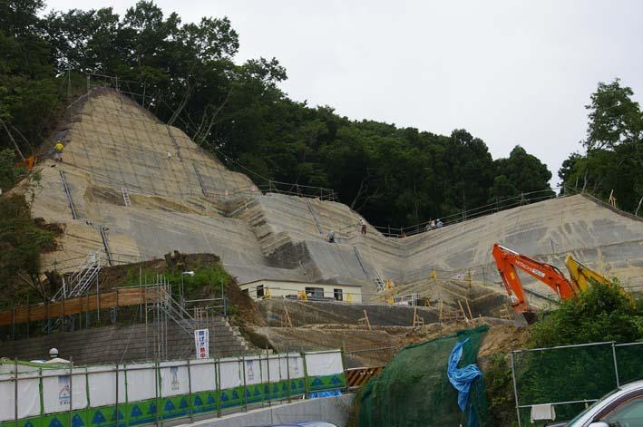 ここが変だよ、鎌倉市(9)岩瀬で大規模マンション建設進行_c0014967_7584749.jpg