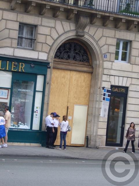 ■シラク前大統領がパリ市長時代の公金不正支給容疑で、参考人として出頭を要請される(パリ)_a0008105_4405590.jpg