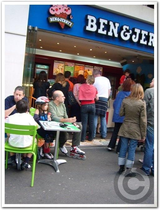 ■街角のアイスクリーム(パリ)_a0014299_18555997.jpg