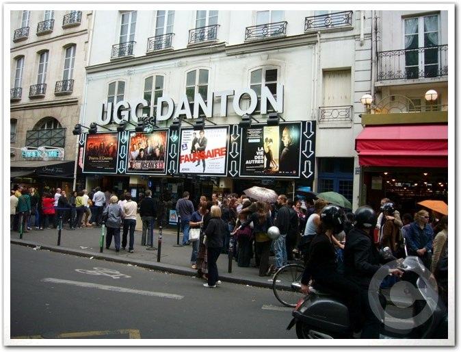 ■日曜日の映画館(パリ)_a0008105_1593169.jpg