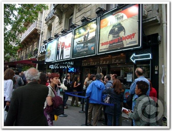 ■日曜日の映画館(パリ)_a0008105_159441.jpg