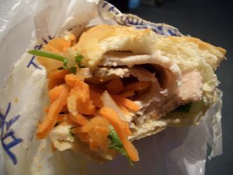 パリでベトナムサンドイッチも食べてみたい_a0098948_0393820.jpg