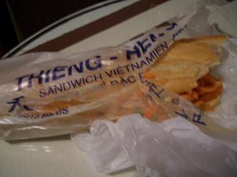 パリでベトナムサンドイッチも食べてみたい_a0098948_0542578.jpg