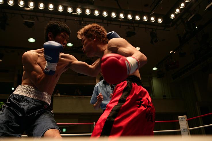 佐々木基樹、土壇場力で、生き残る (6月18日後楽園ホール) : ボクシングストレートレポート(ボクレポ)