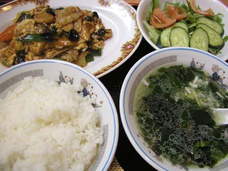 華味屋の豚とキクラゲの炒め物 定食_f0053279_11324122.jpg
