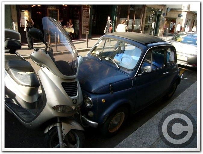 ■街角の車(パリ)_a0008105_5491993.jpg