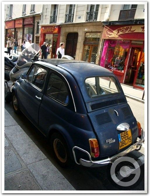 ■街角の車(パリ)_a0008105_5493892.jpg
