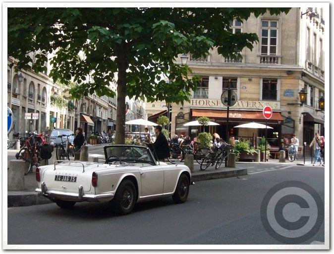 ■街角の車(パリ)_a0008105_5495351.jpg