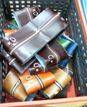綺麗な鞄は好きですか_b0100432_8331099.jpg
